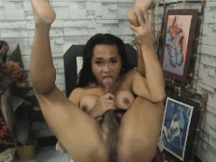 sexy-shemale-sucks-her-own-huge-dick
