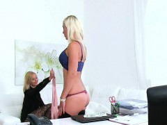 sexy-lesbians-doing-it-on-casting