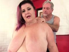 giant-tittied-fat-ass-lady-lynn-gets-a-sex-massage