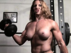 naked-female-bodybuilder-redhead-cougar-topless-in-gym
