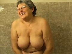 Omapass Hairy Granny Bathroom Masturbation