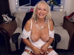 milf-in-white-stockings-masturbate-ohmybod