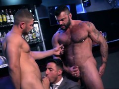 muscle-gay-threesome-and-facial