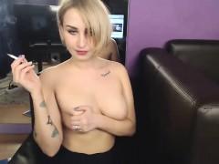 amateur-misswildy-flashing-boobs-on-live-webcam