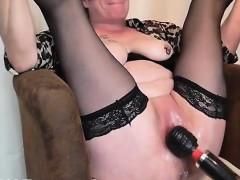 mature-fisting-squirting-orgasm