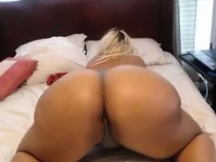 bbw monster booty on cam – watch part2 on porn4nymphos