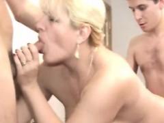 Moden Kvinde & Unge Fyre (danish Title)(not Danish Porn) 11