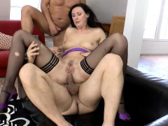 English Milf Double Penetrated In Anal Trio