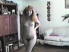 vintage-solo-bride-on-webcam