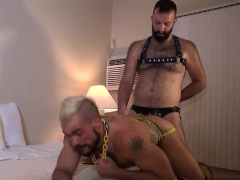 Muscle Bear Bareback With Cum Eating