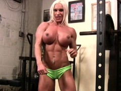 naked female bodybuilder rubs her clit in gym WWW.ONSEXO.COM