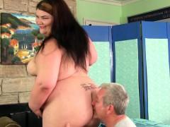 Fat Ass Juicy Jazmynne Gets A Sexual Massage