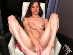 Glamorous Transsexual Wanking Her Cock