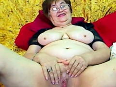 real-granny-in-the-webcam-r20