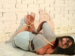fat-girl-in-rope-bondage
