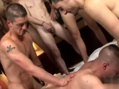 hot-naked-boys-big-cumshot-gay-xxx-bareback-for-the-bear