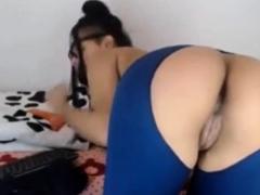 Teen Brunette With Sexy Hot Ass On Webcam