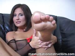 jerky-teacher-puts-her-feet-up-and-demos-footjob-skills