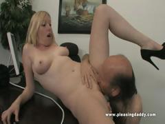 Tegan fucks her mature boss – Videos XXX Incesto