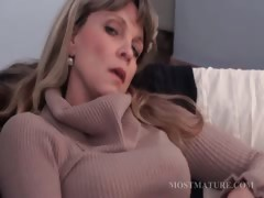 blonde-mature-masturbates-her-hot-cunt