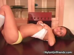 andie-valentino-playing-in-little-blue-part1