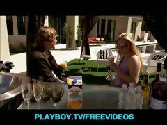 four-single-swingers-share-the-playboy-mansion-for-the