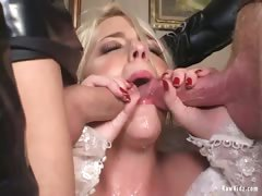 the-bride-double-blowjob