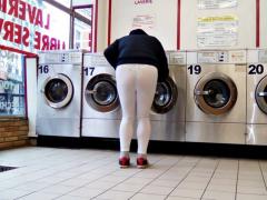 A la laverie en legging