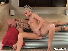 sexy-blonde-babe-gives-a-great-erotic-part1