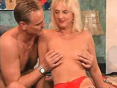 hot-and-sexy-blonde-mature-slut-with-nice-ass-gives-hot