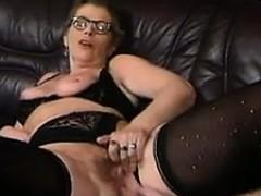 mature-lesbian-milfs