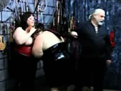 two-bbws-get-dominated