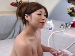 subtitled-cmnf-voluptuous-japan-soapland-queen-handjob