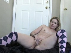 horny-housewife-lisa-is-stuffing-a-toy-in-her-tight-ass