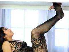 Sexy Asian Masseuse Mia Li Footjob And Fucked On The Table