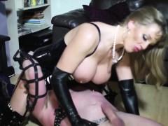 Порноактрисы с большои грудью