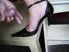 this-chick-jerks-him-off-on-her-sexy-shoe