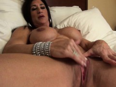 hot-italian-plays-with-her-big-clit