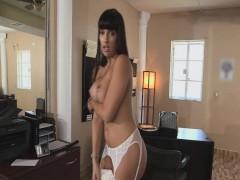Big Butt Latina Milf Shows Off Round Ass