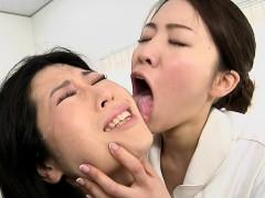 japanese-lesbian-erotic-spitting-massage-clinic-subtitled