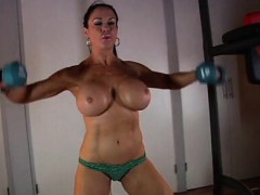 samantha-kelly-topless-workout