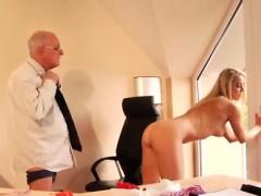 Хозяин и его друг и домработница порно смотреть онлайн