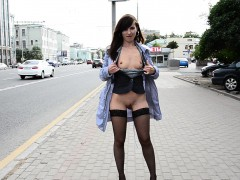 jeny-smith-flashing-guys-in-and-outdoors