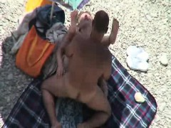 Cute Chick Caught Fucking On The Beach By A Peeper