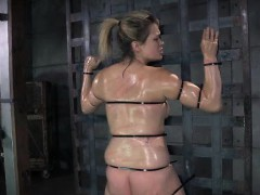 restrained slut brutally whipped! xxx.harem.pt
