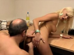 athletic woman pov so there you are, a qualified computer rep xxx.harem.pt