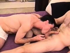 Amateurs Braden And Steve Suck Dick