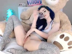pretty-brunette-sends-her-fingers-and-a-sex-toy-making-her