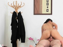Massage Therapist Pussykat Has Her Cunt Used