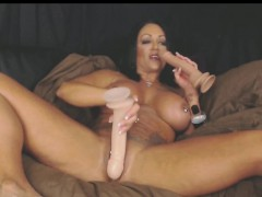 Double Dildo Anal And Vaginal Fun With Muscle Milf
